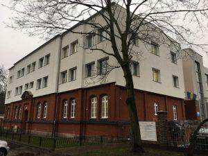 Budynek przychodni WOMP-ZCLiP nr2/3 przy ul.Kopernika 18 - widok od rogu ulic Sambora i Kopernika