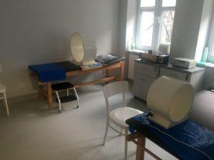 Gabinet rehabilitacyjny wraz z odpowiednim wyposażeniem