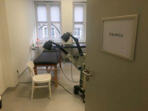 Gabinet terapulsu wraz z odpowiednim wyposażeniem